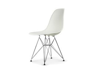DSR Eames Plastic Side Chair
