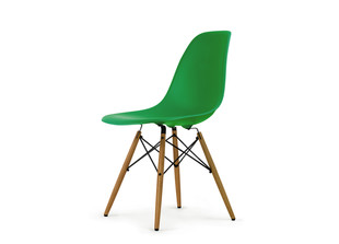 DSW Eames Plastic Side Chair