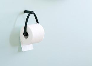 Toilettenpapierhalter mit Lederriemen