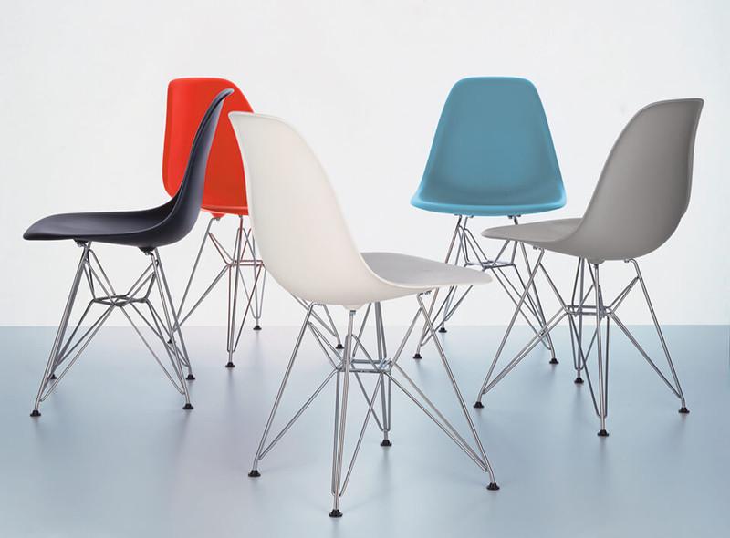 DSR Eames Plastic Sidechairs