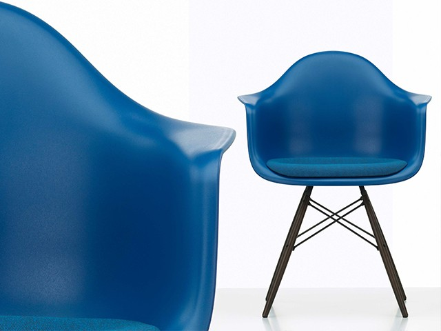 Eames Dining Chairs - Blau