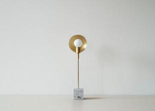 Orbit One Tischlampe