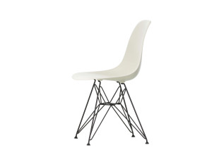 DSR Eames Plastic Side Chair