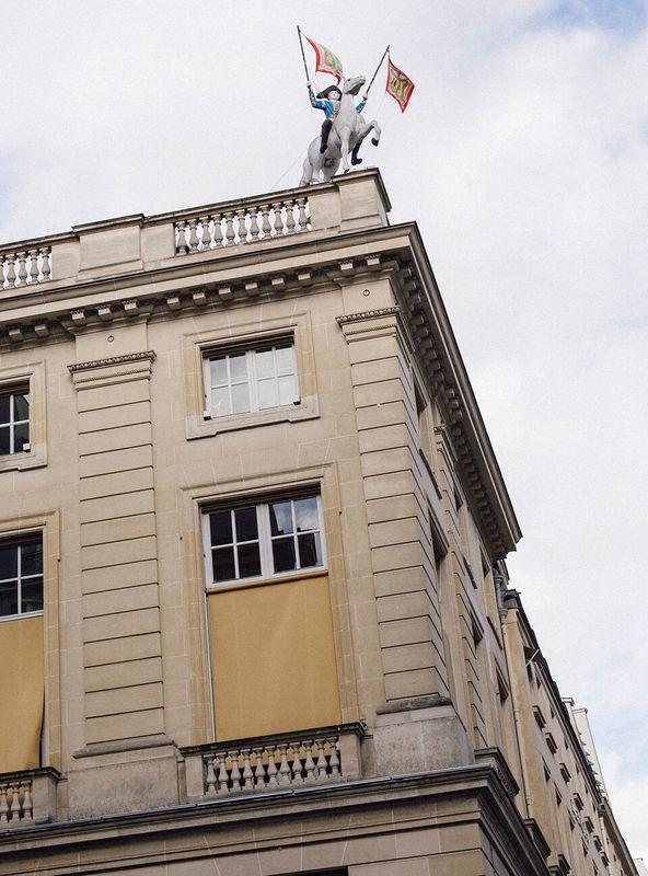 Unübersehbar: Hermès-Stammhaus in der Rue Faubourg-St. Honoré
